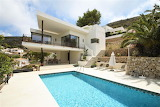 Ultra modern villa and pool in Spain