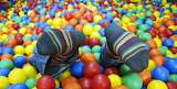 plastic ball pit with feet