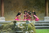 Young Indonesian dancers