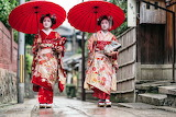 Kyoto-Bans-Photos-in-Famous-Geisha-District-Due-To-Bad-Tourist-B