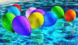 Globos en el agua