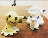 Mimikyo and vulpix