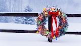 Snowy christmas-wreath 2