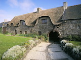 thatched house, Brittany