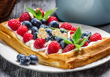 ☺ Waffles, cream and fruits...