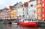 Colored houses-city-boats-Denmark