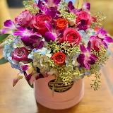^ Bouquet in Crock