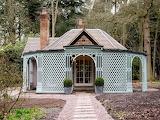 Cabins - Pink Cottage - Weston Park - Shropshire