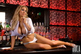 Jordan-Carver-Bartender-1