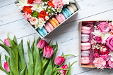 Flowers, bouquet, tulips, pink, box, macarons