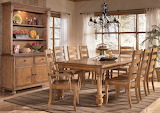 ☺ Cozy dining room...