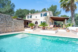 Traditional country villa and pool in Mallorca