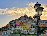 Italy , farol del pueblo