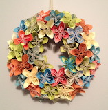 ^ Paper fold wreath