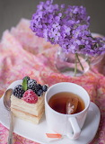 Napoleon with berries and tea