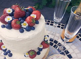 Strawberry& Blueberry Summer Cake