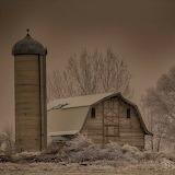 Old barn south of Buhl Idaho