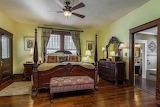 Master Bedroom (10 of 17)