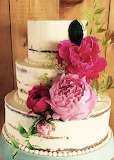 Flowery cake @ The Cakewalk Shop