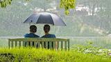 Cute-Romantic-Couple-in-Rain