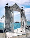 Puerta al Bósforo - Palacio de Dolmabahce