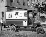 Antiguo camión de reparto Eva Pímez 1920