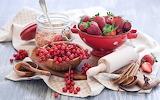Strawberries-berries-currants-red