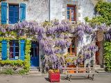 Shops in Rochefort-en-Terre, Bretagne
