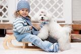La niña y su mascota