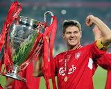 Cup-trophee-soccer-sport-man-Steven Gerrard