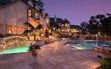 ☺ Pretty villa...