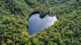 Toyoni Lake, Japan