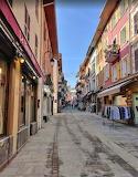 Alley Bourt Saint Maurice France