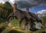 ^ A house in East Stratton, England - © Neil Howard 2012 ~ 1Zoom