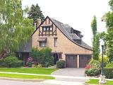 English-cottage-style-house-english-style-architecture-lrg-36026