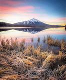 Mountain lake grass oregon