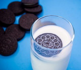 ^ Four seconds is the perfect length of time to dunk your Oreos
