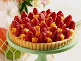 strawberries dessert cake