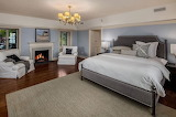 Master Bedroom (9 of 16)