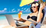 Summer-girl-at-the-beach