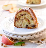 Apple sour cream cake