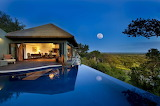 Awesome-natural-resort-design-with-appealing-concept-of-interior
