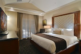 Eden-Resort-Lancaster-PA-Hotel-Bedroom-Two-Room-Flat-Suite-P0000