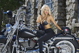 Courtney-stodden-is-stunning-hot-riding-a-harley-davidson-in-a-c