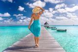 Woman, blue dress, hat, sea, boat, walking