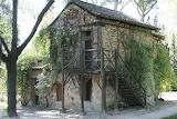 Casa de la vieja- Parque El capricho - online jigsaw puzzle - 117 pieces