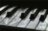 piano - online jigsaw puzzle - 12 pieces