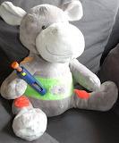 Hippo krijgt een spuitje. - online jigsaw puzzle - 9 pieces
