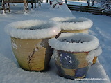 Pots in winter dress - Click to puzzle! - 80 pieces