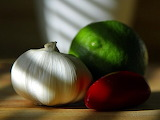 garlic-bulbs-limes-chillies-peppers-chili - online jigsaw puzzle - 117 pieces